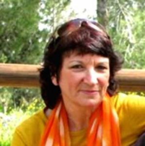 רוני בנימין – יועצת בקלפים בצפון - חיפה והקריות