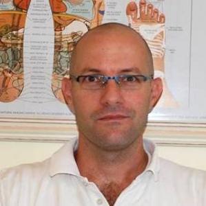 רם דונל – רפלקסולוגיה ורפואה משלימה במיתר.
