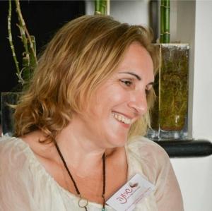 שרונה סופר –מאמנת רוחנית, מטפלת ומורה לאקסס בארס  Access Consciousness™