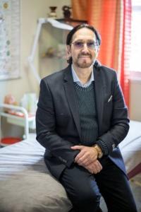"""ד""""ר מיכאל קונסטנטינובסקי - מרכז מדטאו לרפואה משלימה בחולון"""