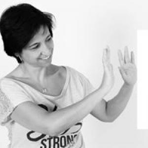 אוולין – מתקשרת בעזרת קלפים טיפוליים לריפוי ואיזון